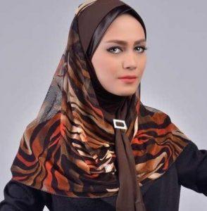 شال و یا روسری برای محیط اداری